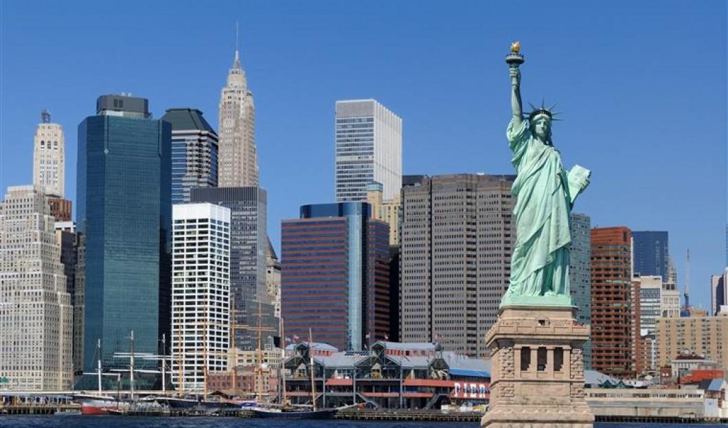 7) تمثال الحرية، نيويورك، الولايات المتحدة الأمريكية