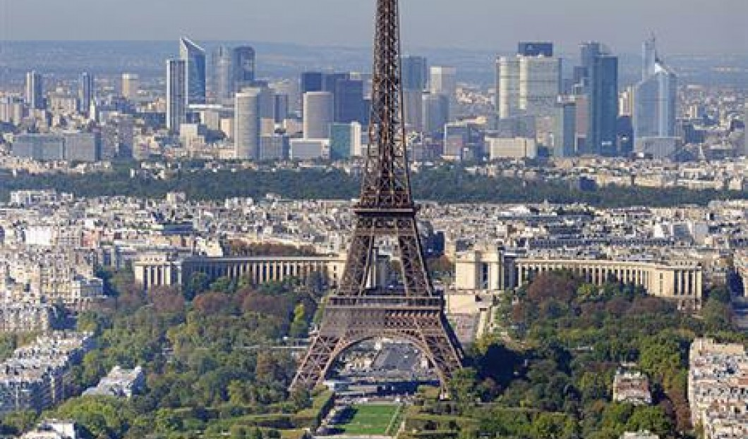 4) برج إيفل، باريس، فرنسا