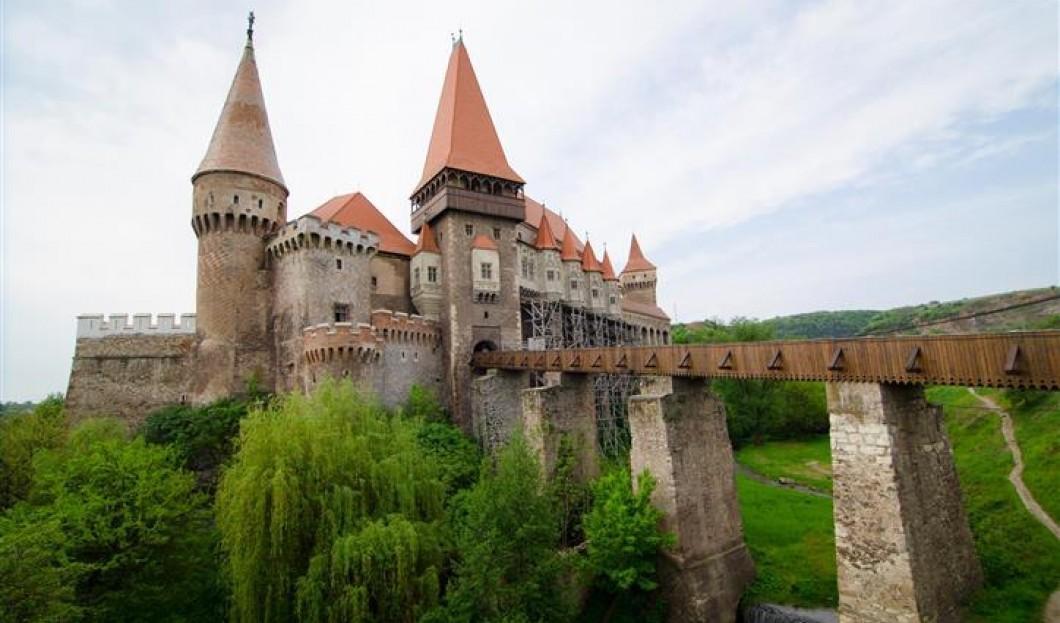 قلعة هونيدوارا Hunya  في رومانيا.